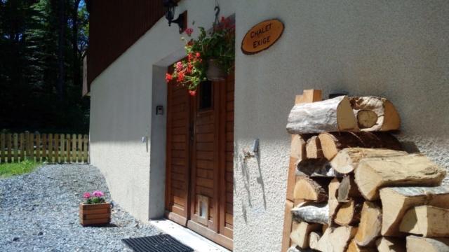 Front door + logs+ sign